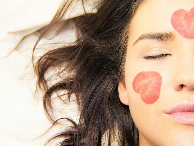 Hydrafacial tretma za bolj napeto in mladostno kožo